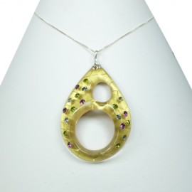 FaKaRa Swing Yellow Gold Teardrop Pendant